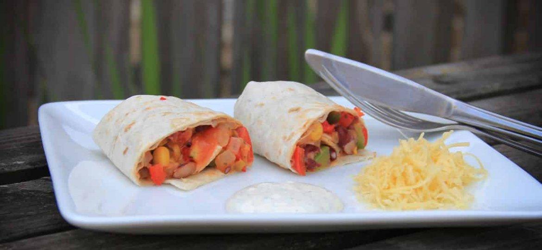 Burritos met bonen paprika en mais recept