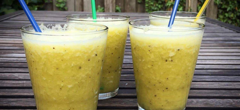 Smoothie ananas sinaasappel kiwi recept