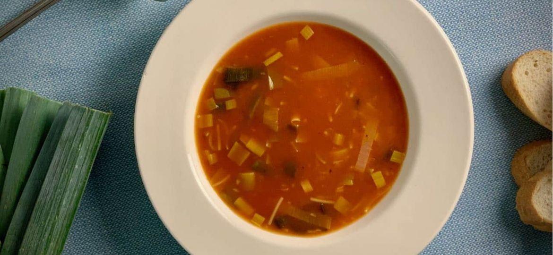 Tomatensoep met prei recept boven