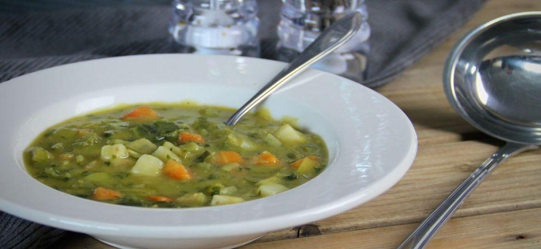 Vegetarische erwtensoep met geroerbakte groenten recept 1