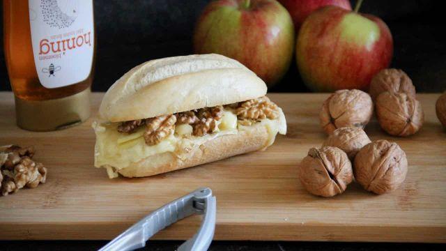 Broodjes brie met appel walnoten en honing recept 1