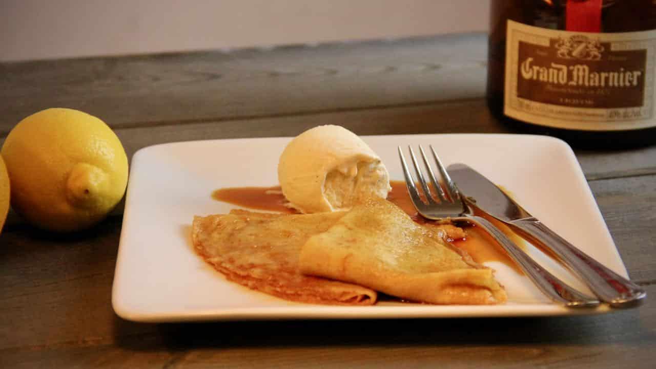 Crepes Suzette met vanille ijs recept
