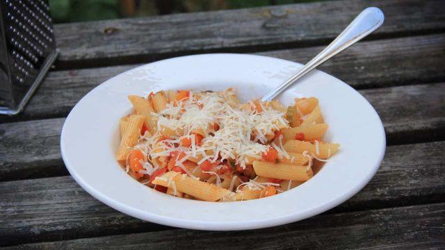 Penne Napolitana, pastasaus van 100 % verse groenten