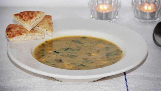 Tandoori soep met shiitake en spinazie recept