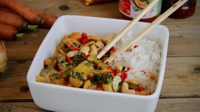 Thaise curry met groenten en cashewnoten recept 1