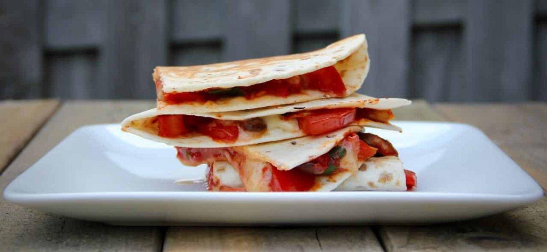 Quesadilla met champignon en tomaat recept