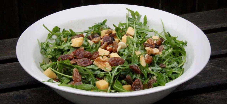 Salade met Old Amsterdam en noten recept