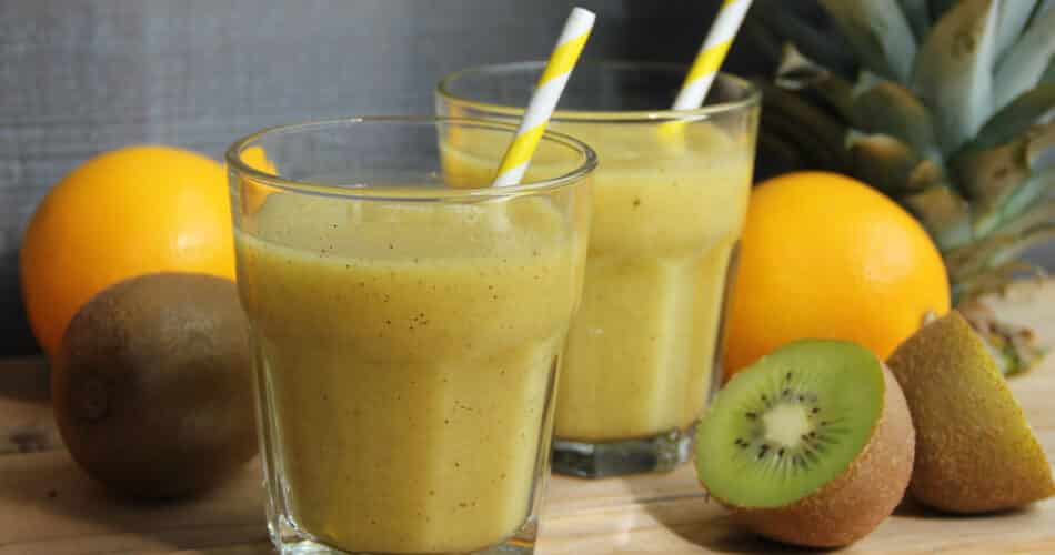 Smoothie met ananas sinaasappel en kiwi recept aug 16 2021 1