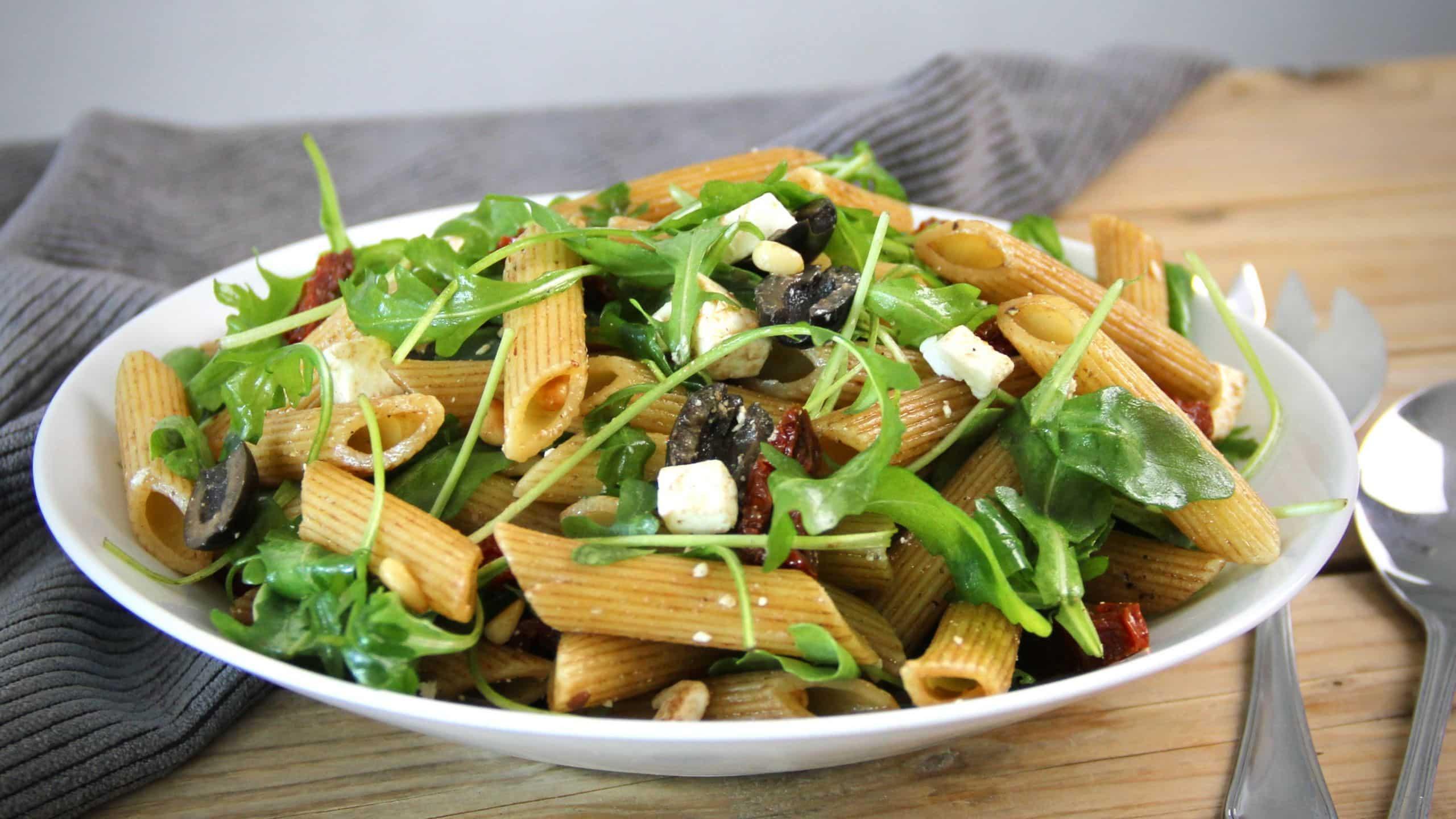 Makkelijke pastasalade met gedroogde tomaten en feta mei 2020 1