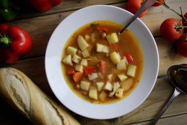 Hongaarse soep recept boven