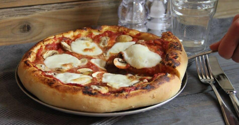 Pizza funghi recept okt 2020 1