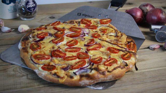 Flammkuchen met tomaat en ui recept 1