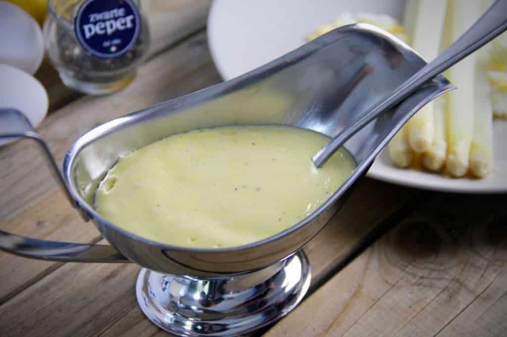 Hollandaisesaus bij asperges recept
