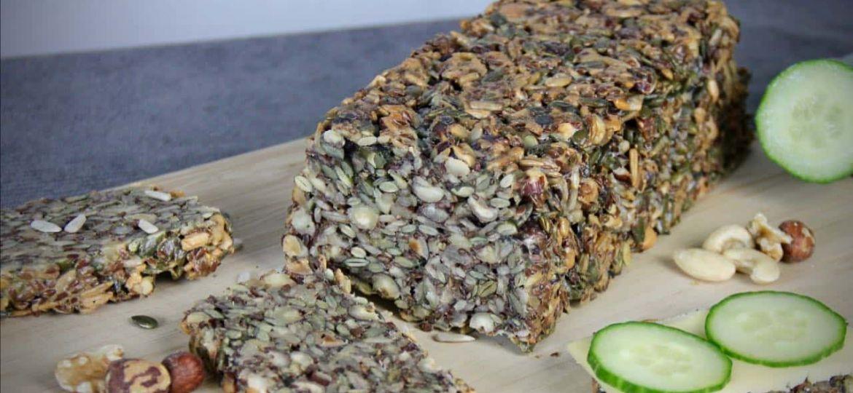 Brood van pitten en noten bakken recept 1