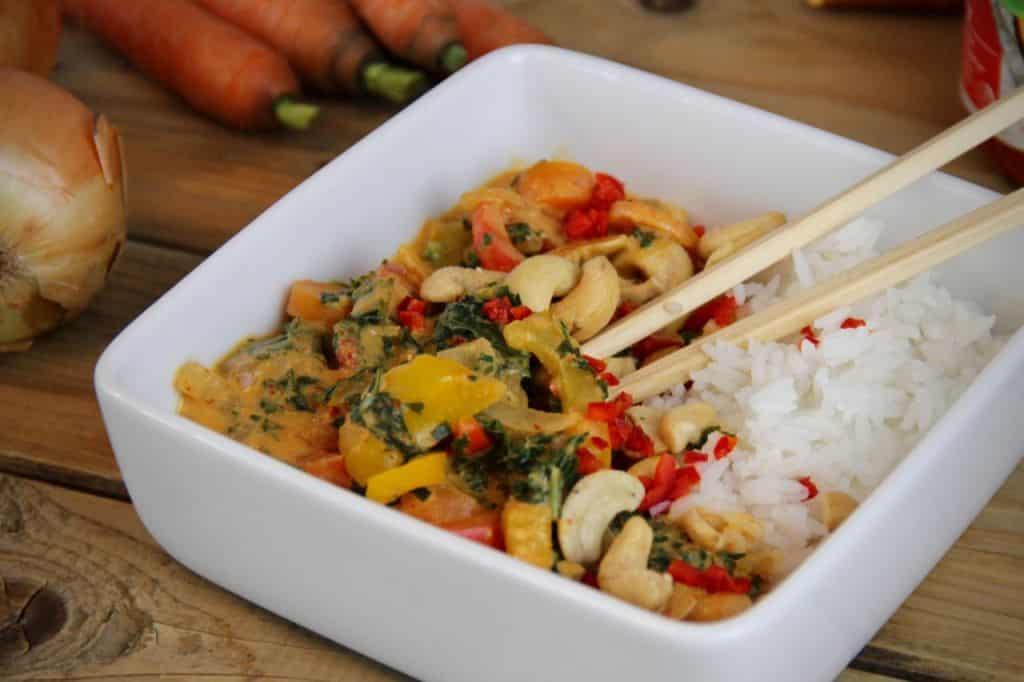 Thaise curry met groenten en cashewnoten recept 2