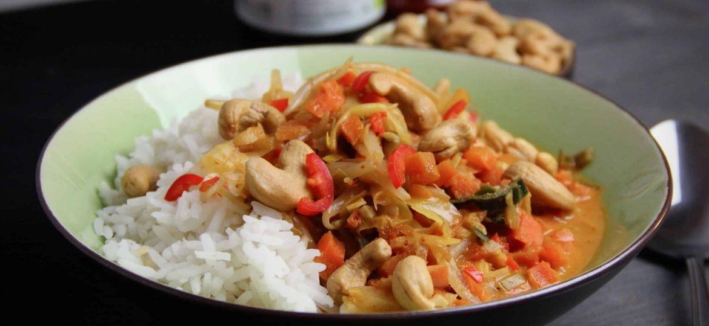 Makkelijke vegetarische recepten curry met nasi groenten