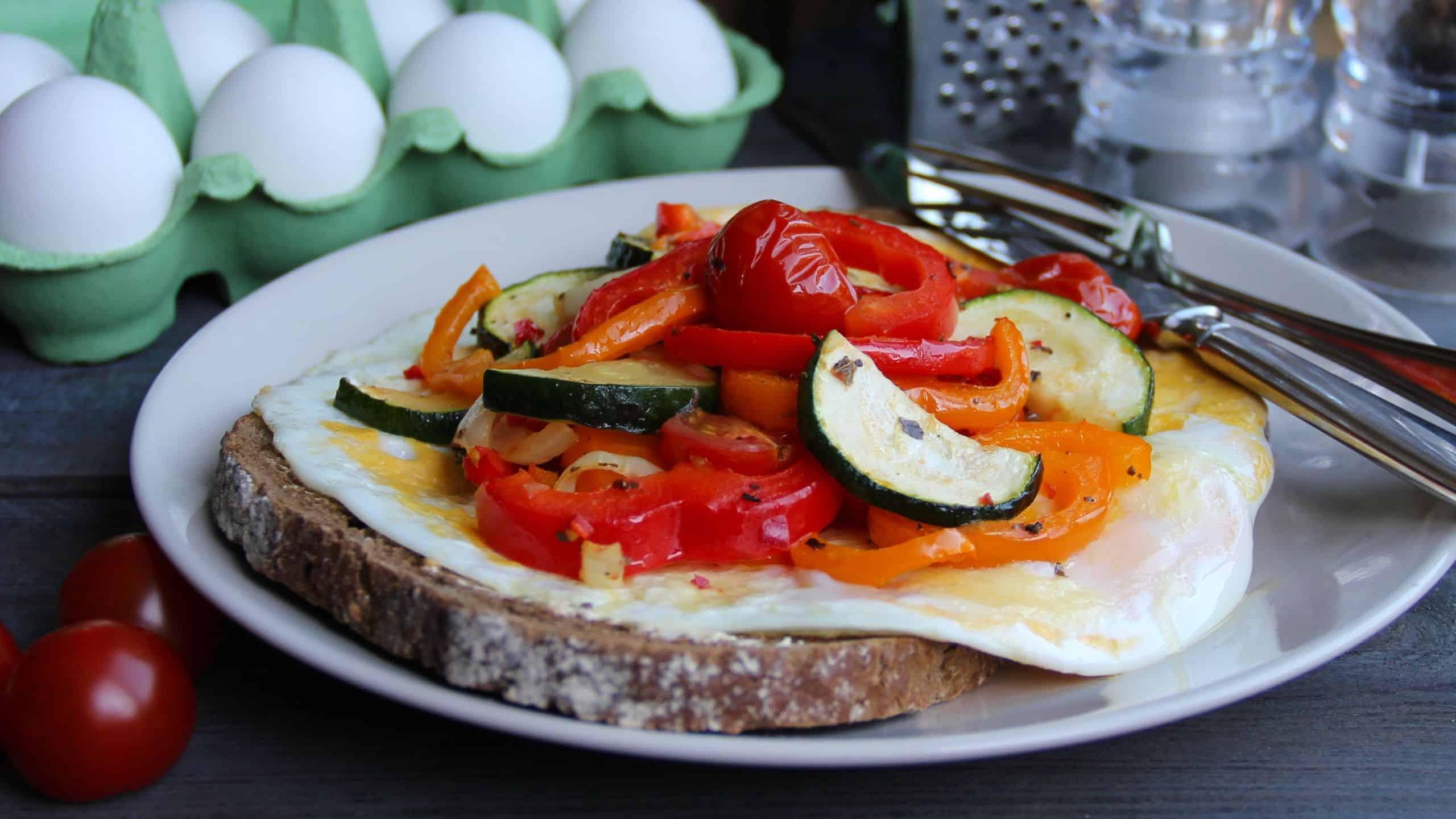 Brood met ei en groenten uit de oven recept 1