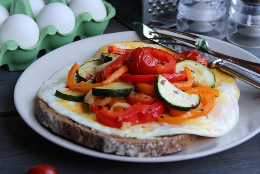 Brood met ei en groenten uit de oven recept 2
